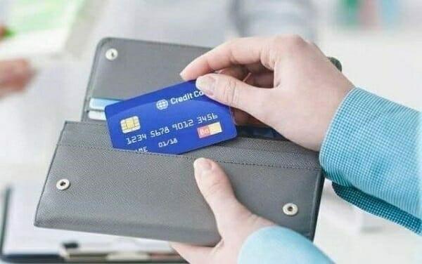 Lựa chọn thẻ tín dụng Sacombank